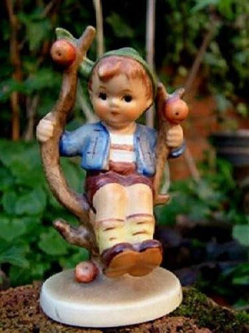 Hummel Goebel Hummel Apple Tree Boy HUM 142 c1960 Figurine - DimpzBazaar.com