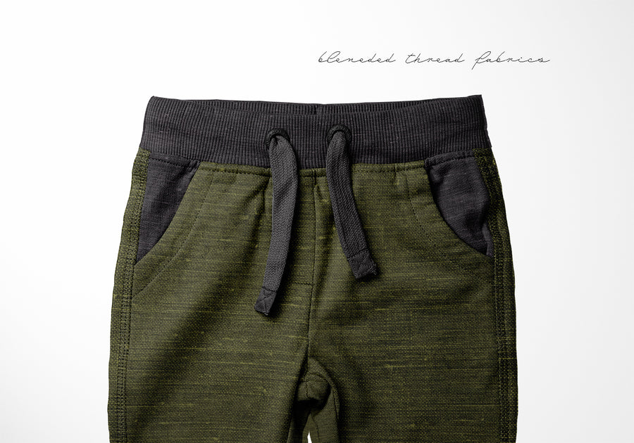 BLENDED ESSENTIALS* - Dark Olive Linen Look