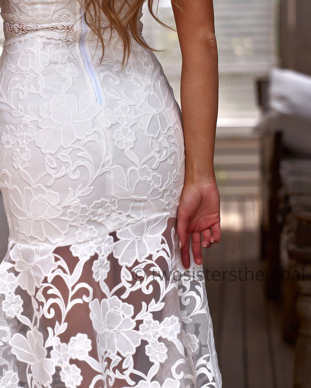 Ivory Dress - White (PREORDER) - SHOPJAUS - JAUS