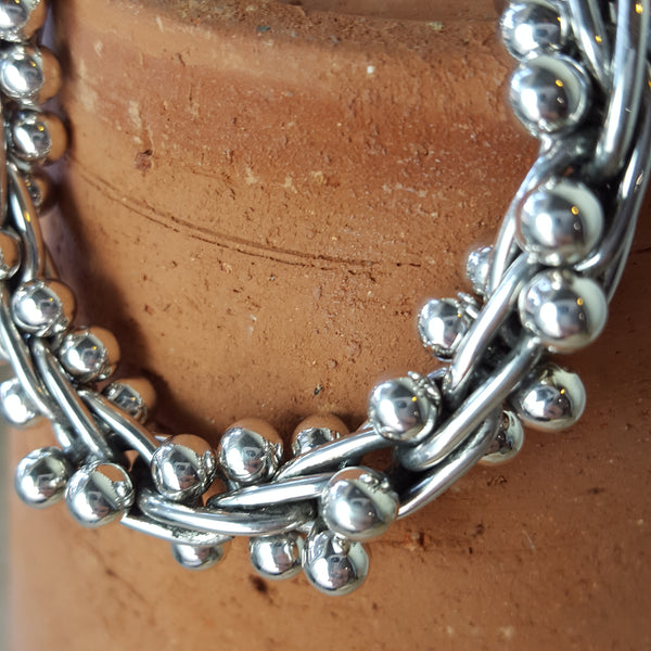 Close up of 5mm Bracelet