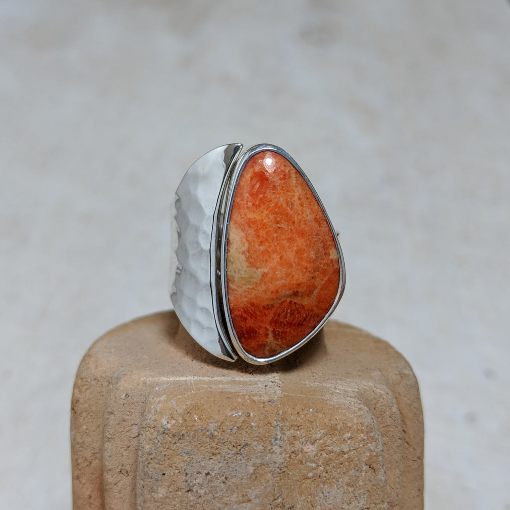 coral ring with hammered detail front