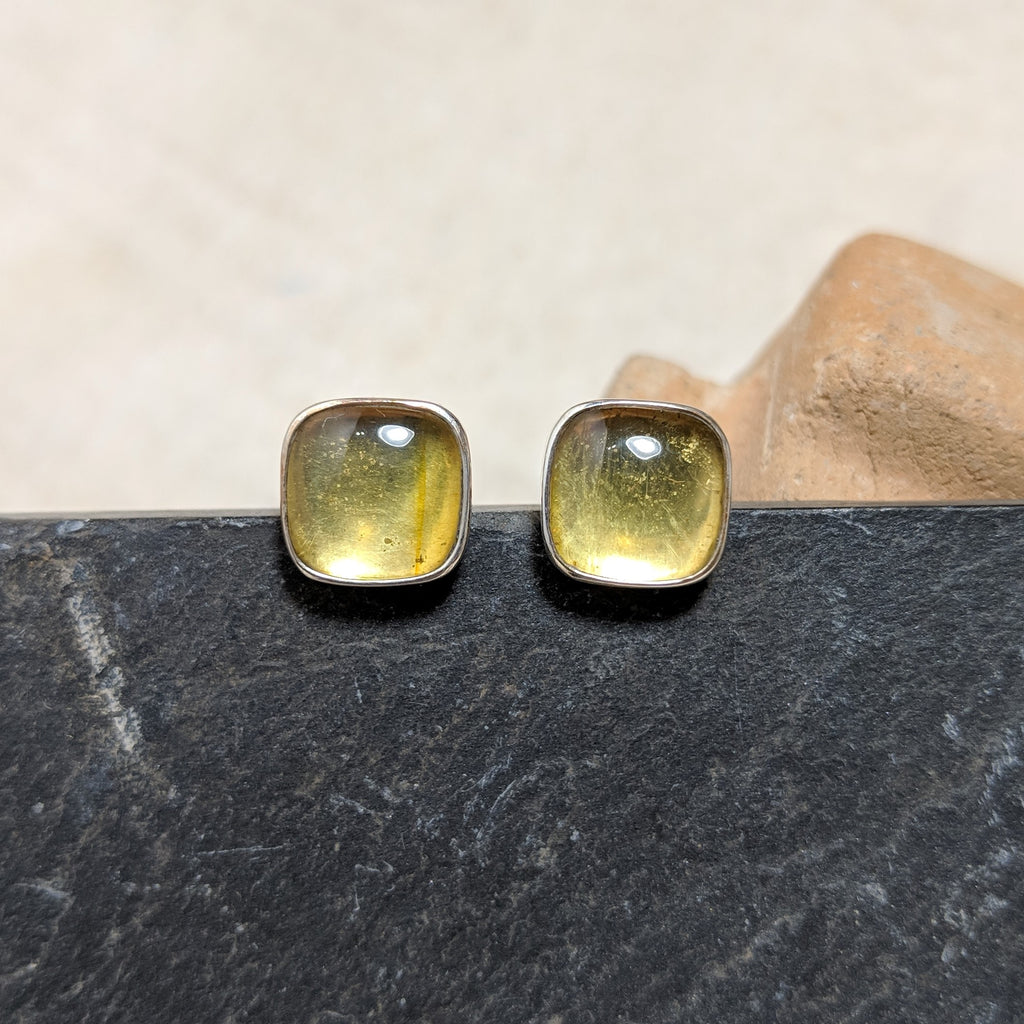 Amber Stud front