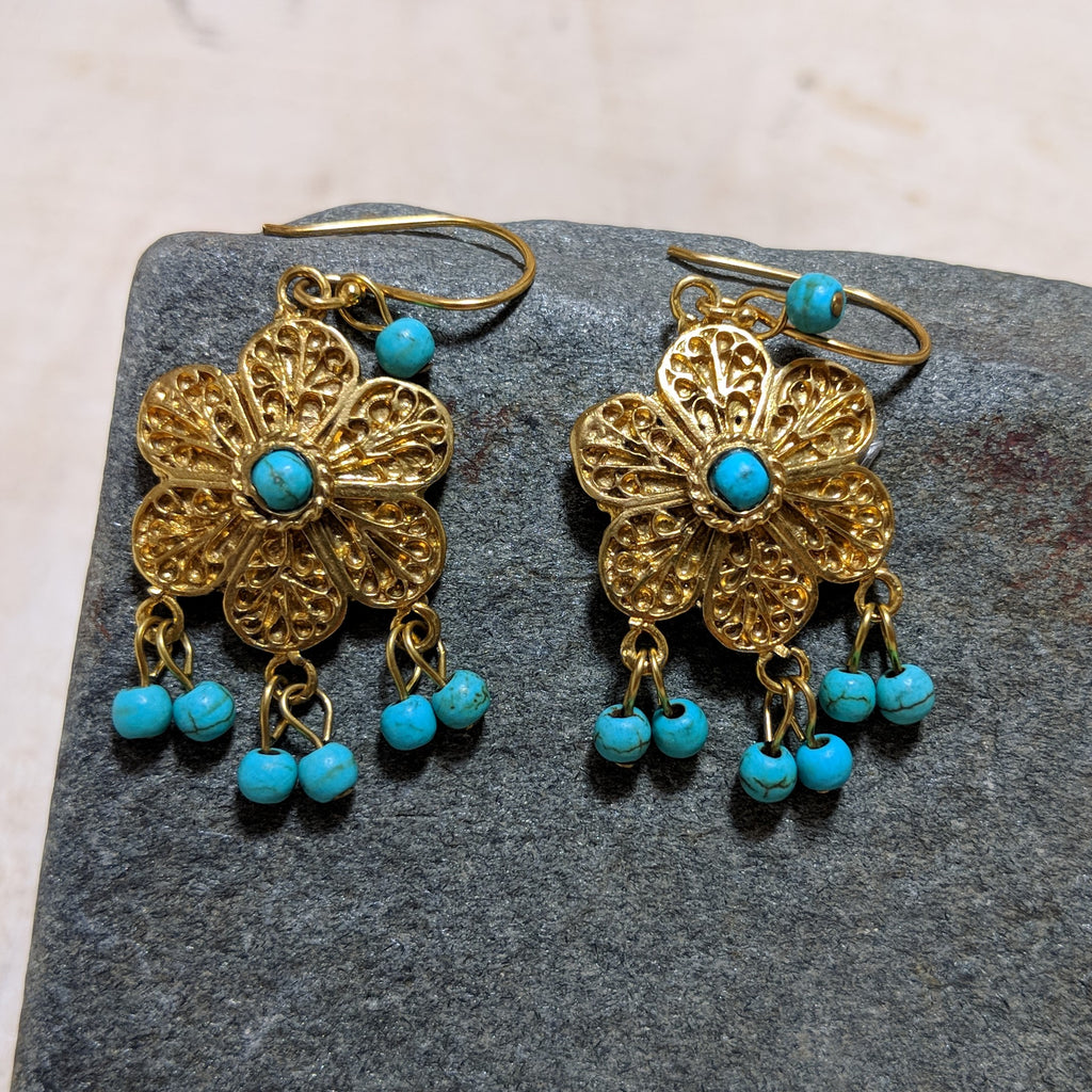 turquoise daisy earrings