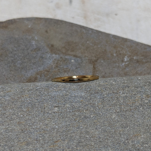 front view of gold quinn ring