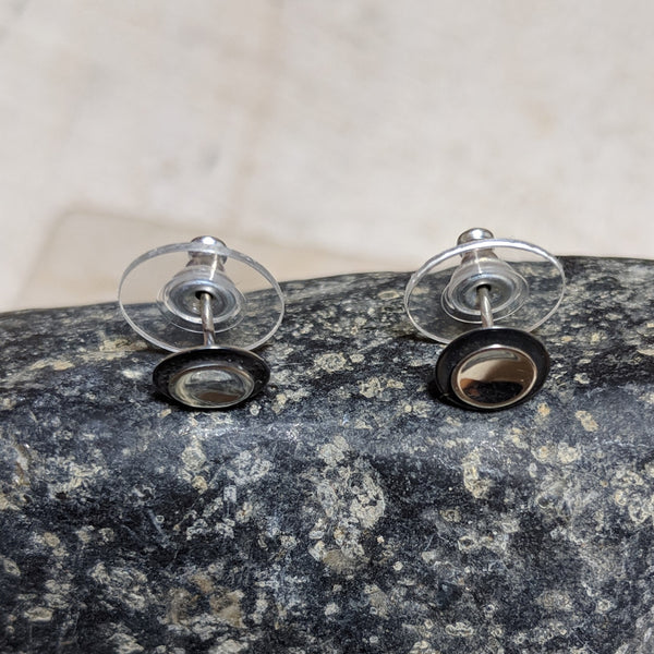 side view of oxidized double circle earrings