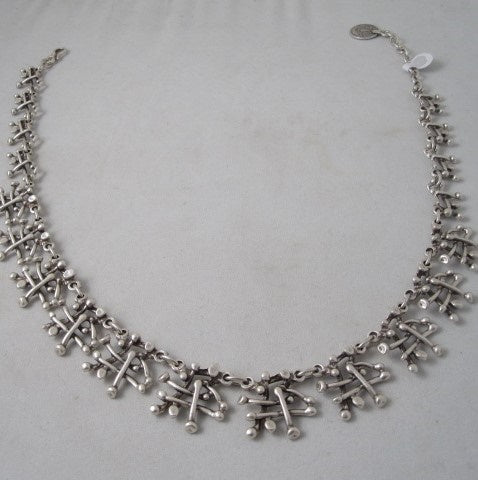 thornbush necklace