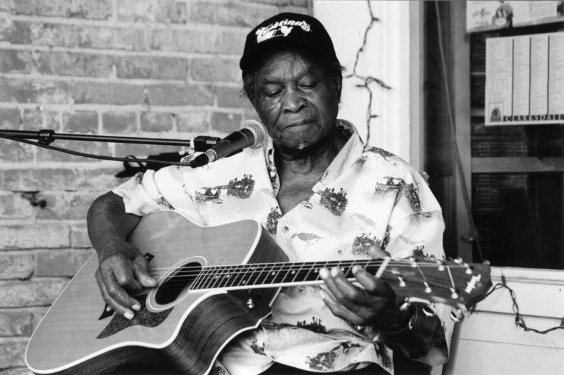Honeyboy Edwards / June 28, 1915 - Aug 29, 2011