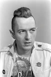 Joe Strummer / Aug 21, 1952 - Dec 22, 2002