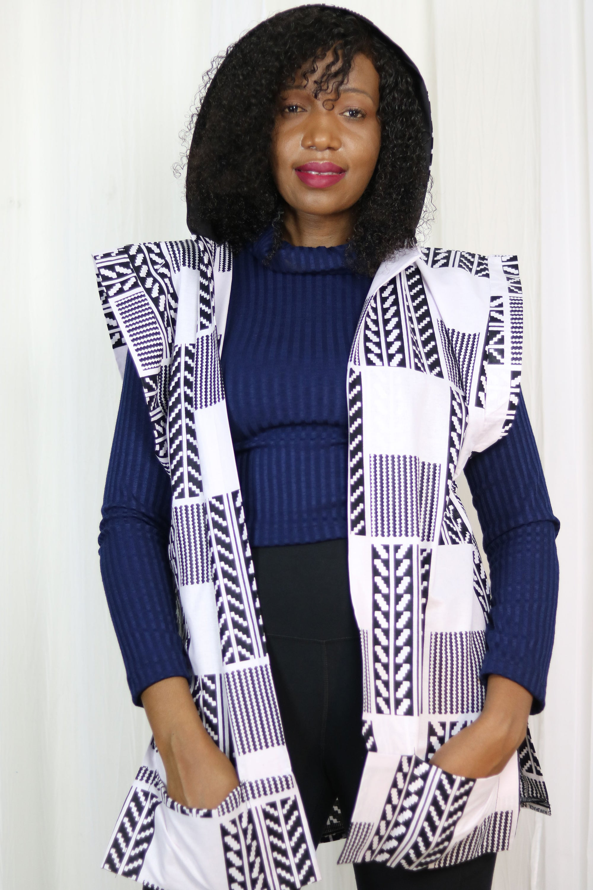 AFRICAN PRINT FALL SLEEVELESS HOODIE - WHITE/BLACK KENTE PRINT