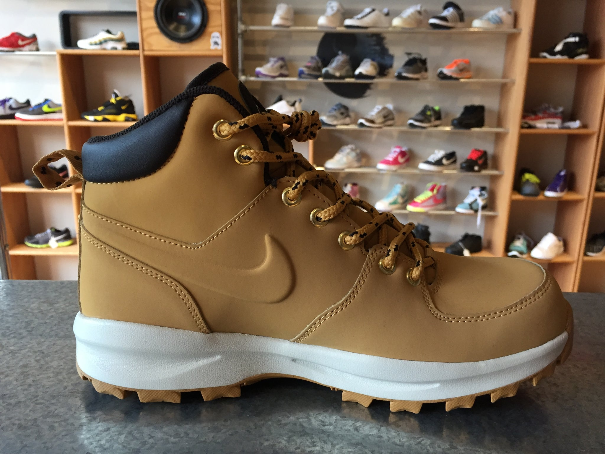 buy popular 58217 adc5a ... NIKE MANOA LEATHER BOOTS 454350-700 ...