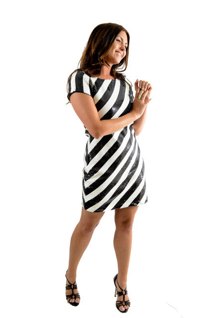 87279a8481d7 RETURNED TO LENDER ON 8/1/18. Black and white Short Sleeve Day Dress ...