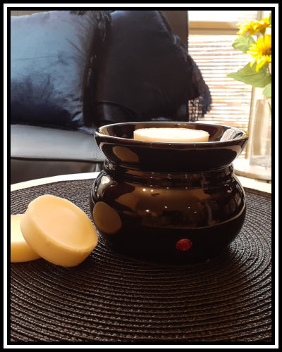 Amber Grove - Electric wax melter /  fragrant oil heater (Black)