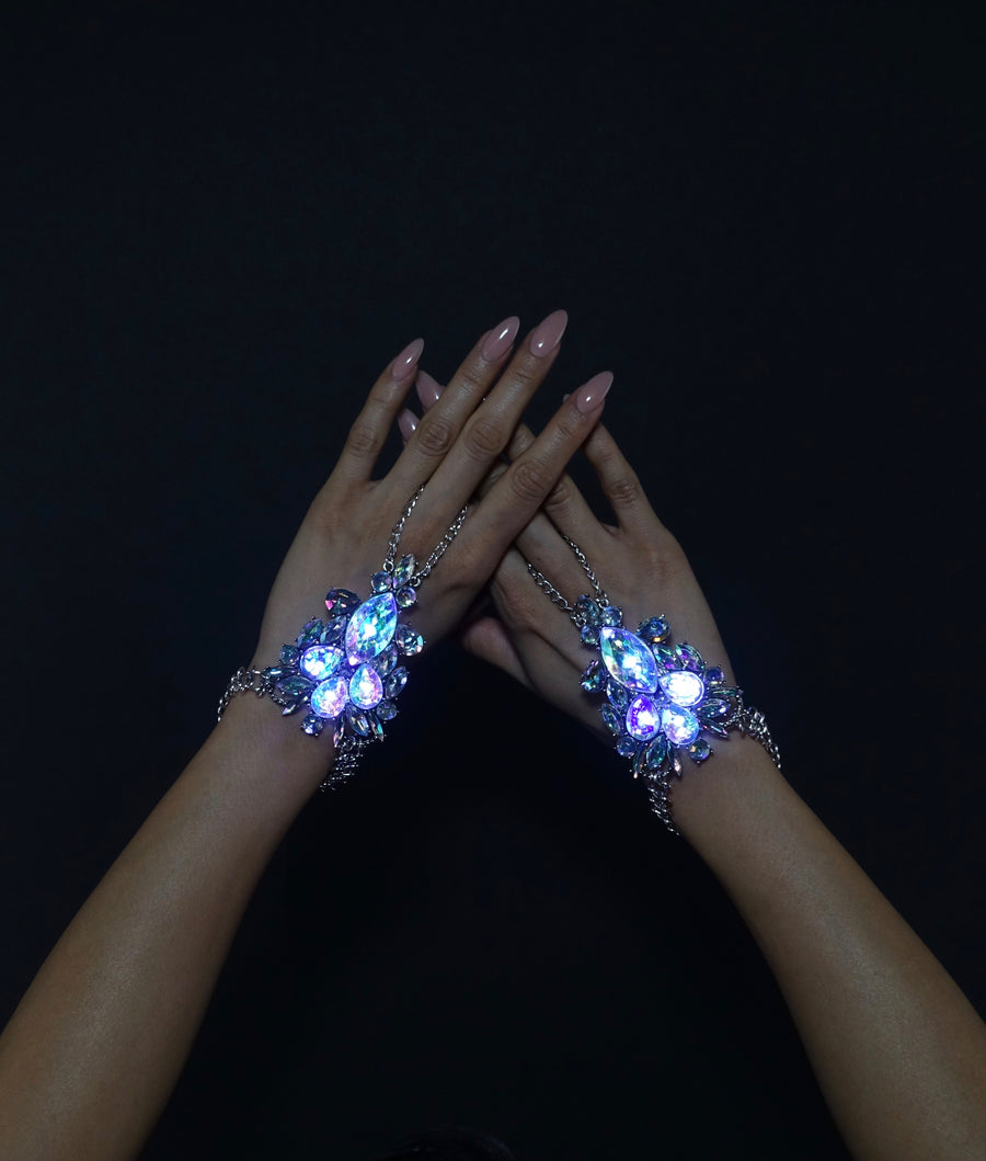 Glowing LED Bracelet Hand Jewelry | Queens Hand
