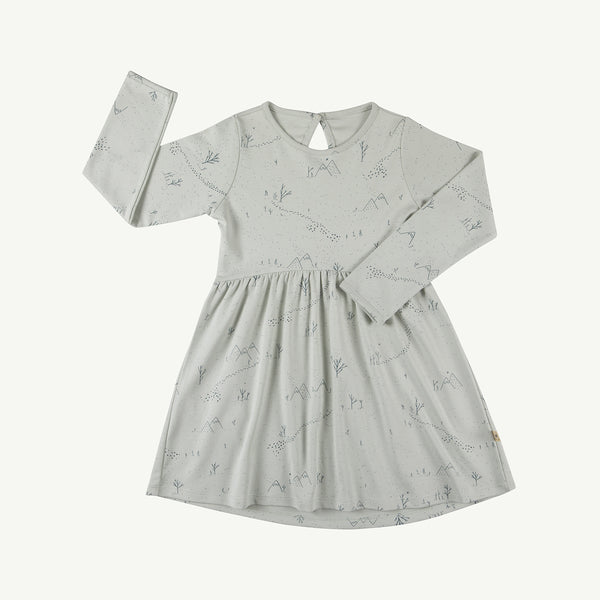 'yeti tracks' sky gray tundra dress
