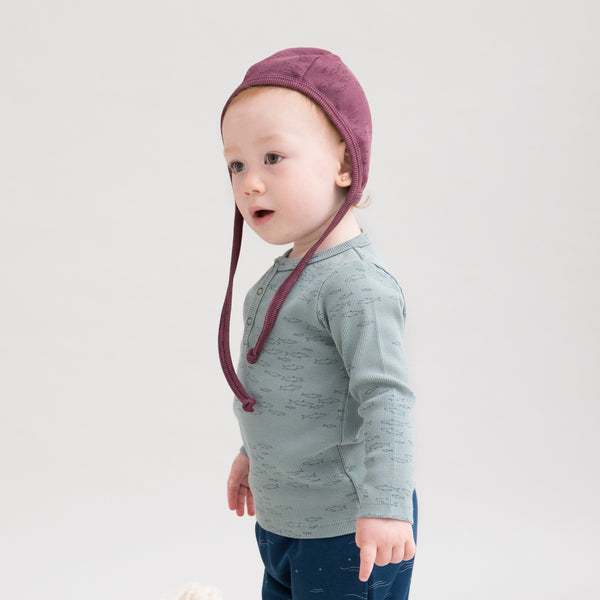 'schooling fish' plum wine ribbed bonnet