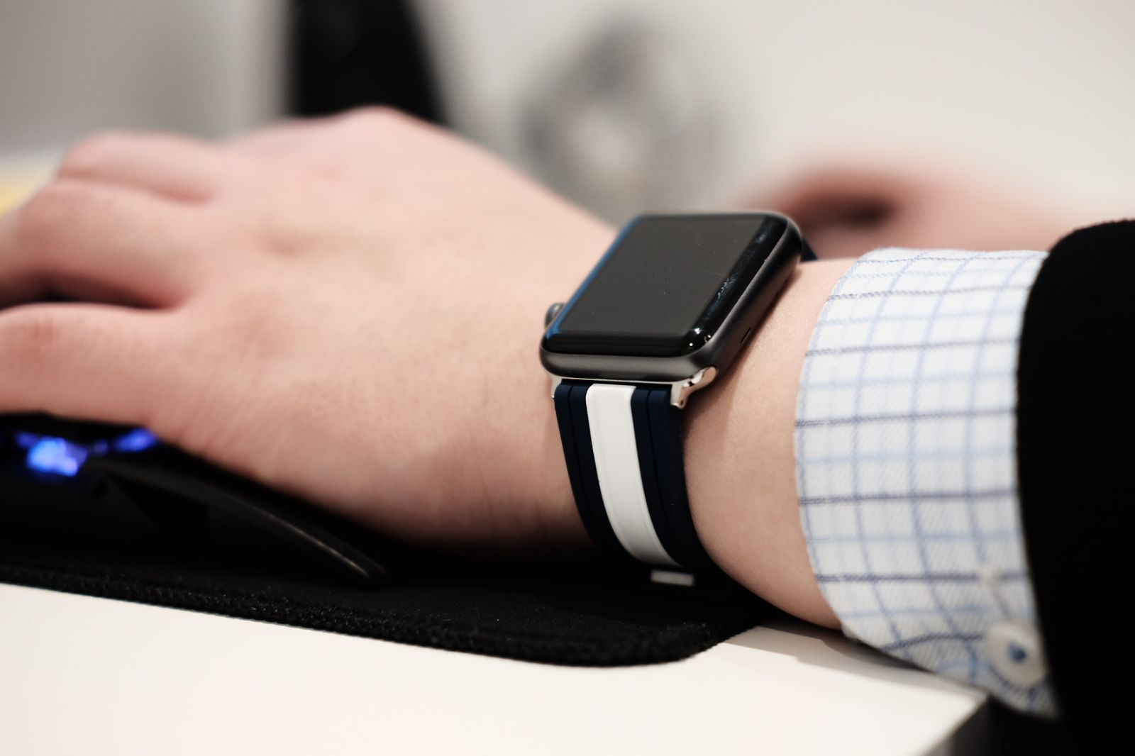 Apple Watch Bands To Stand Out From The Crowd