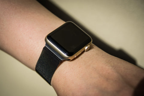 Review: Milanese Loop Apple Watch Band OzStraps Middle East 4