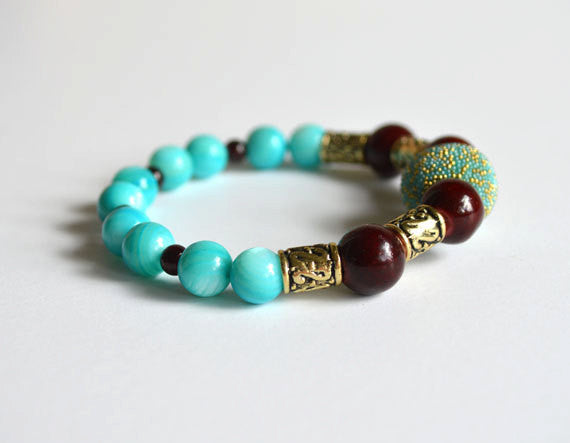 TURQUOISE BEADS Bracelet w Gold Accents, handmade