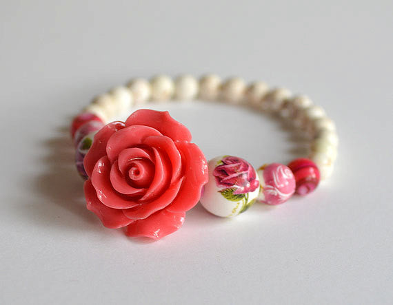 RED ROSE - Stretched Beads Bracelet, Romantic Gifts, handmade
