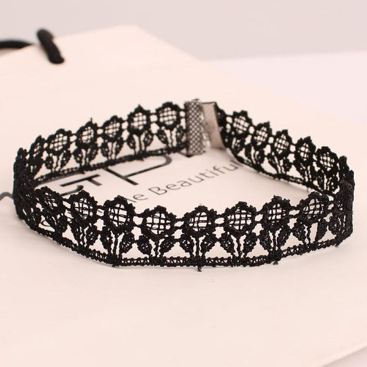 New Fashion Vintage Women Short Necklace Lace Hollow Flower Black Velvet Choker Necklace