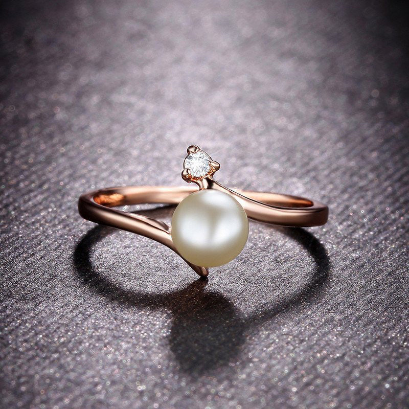 Lovely Pearl & Rhinestones Rings