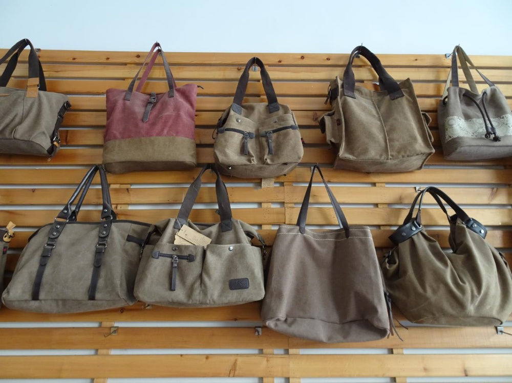 Women's Leather Shoulder Bags With Large Pocktet