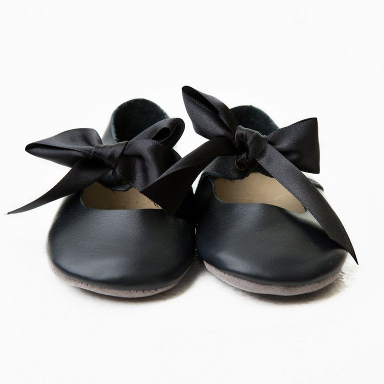 Mary Janes  -  Black