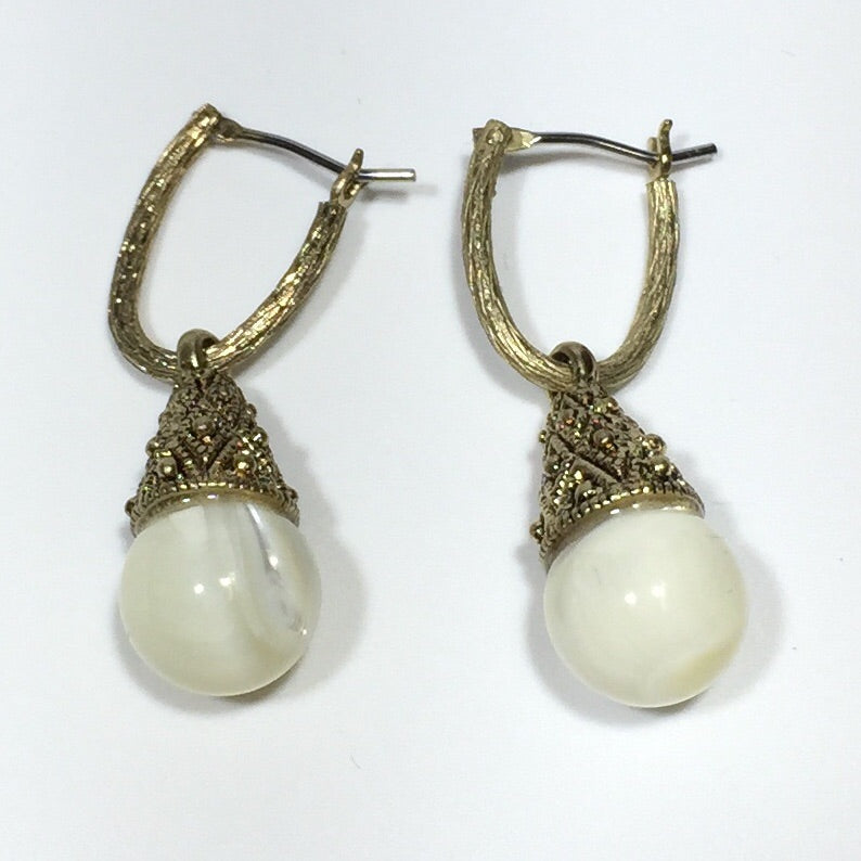 Shell Pearl Antique Gold Earrings