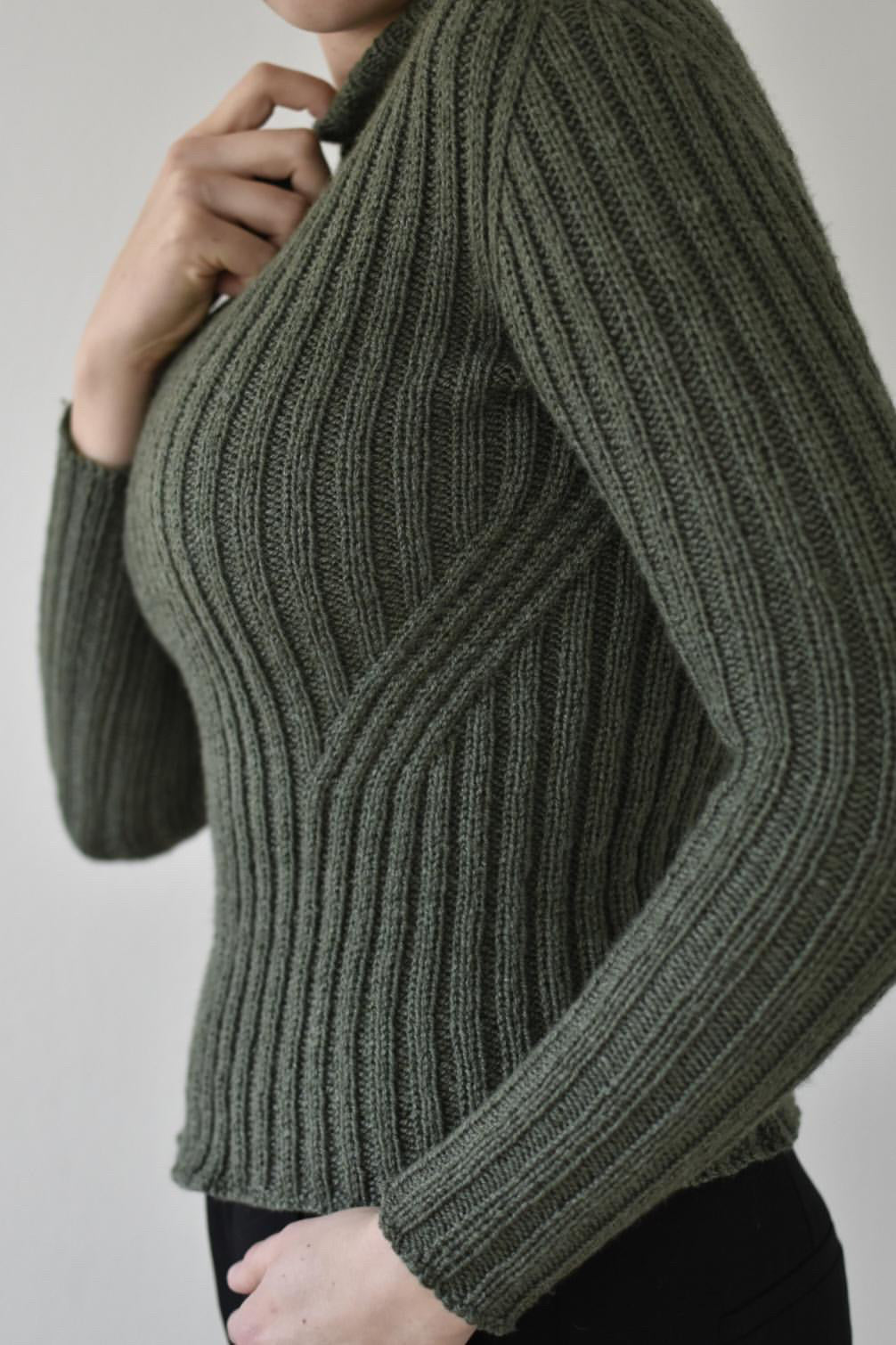 Twist Rib Sweater (English)