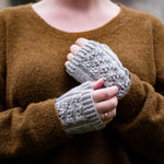 Lydia wristwarmers (English)