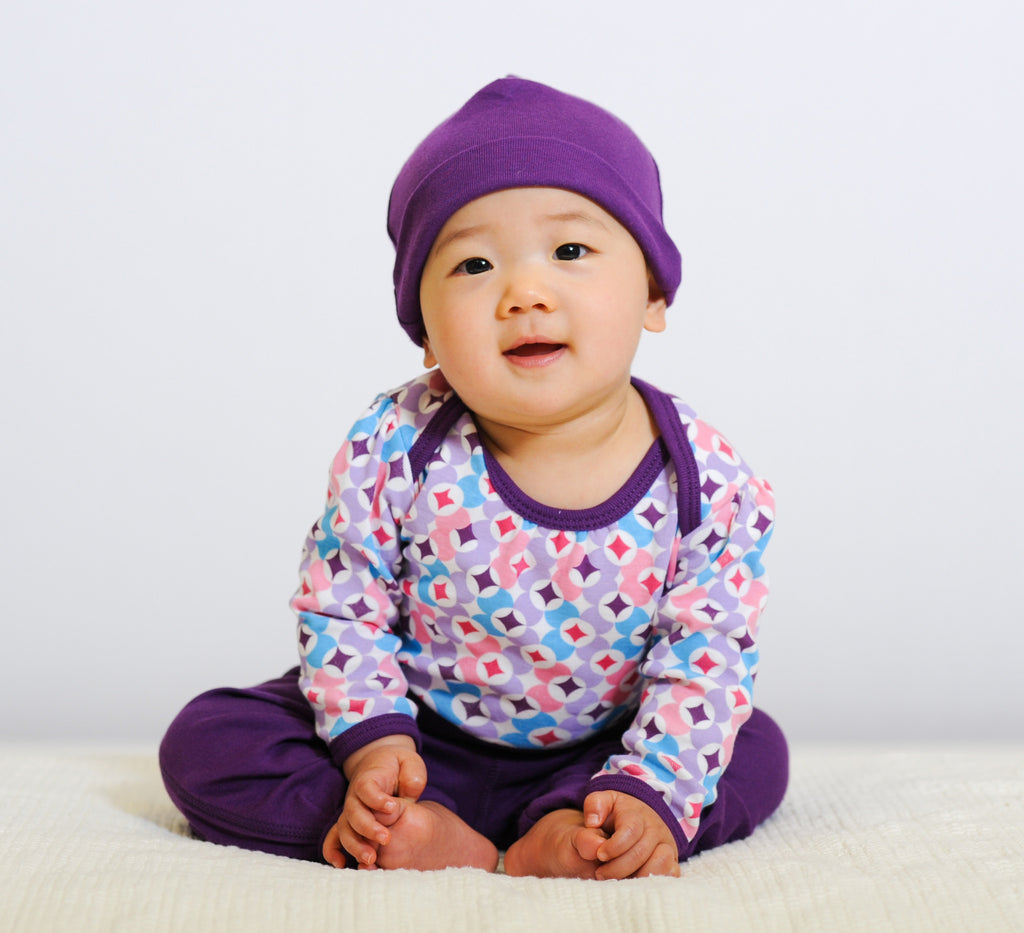 ThThis 100% organic cotton 2-piece set will keep your precious baby cozy and warm