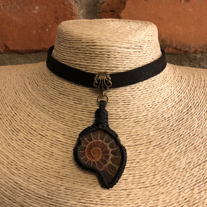 Macrame Ammonite Choker Necklace - Steampunk Necklace - AlphaVariable