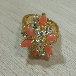 Vintage Gold Coral Gemstone Ring - Ring - AlphaVariable