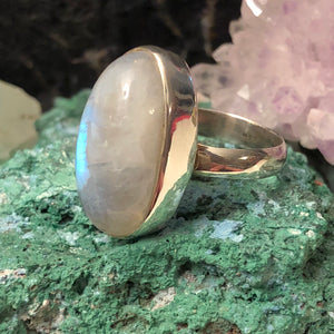 Oval Moonstone Ring - Ring - AlphaVariable