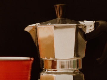 How to brew coffee with a moka pot