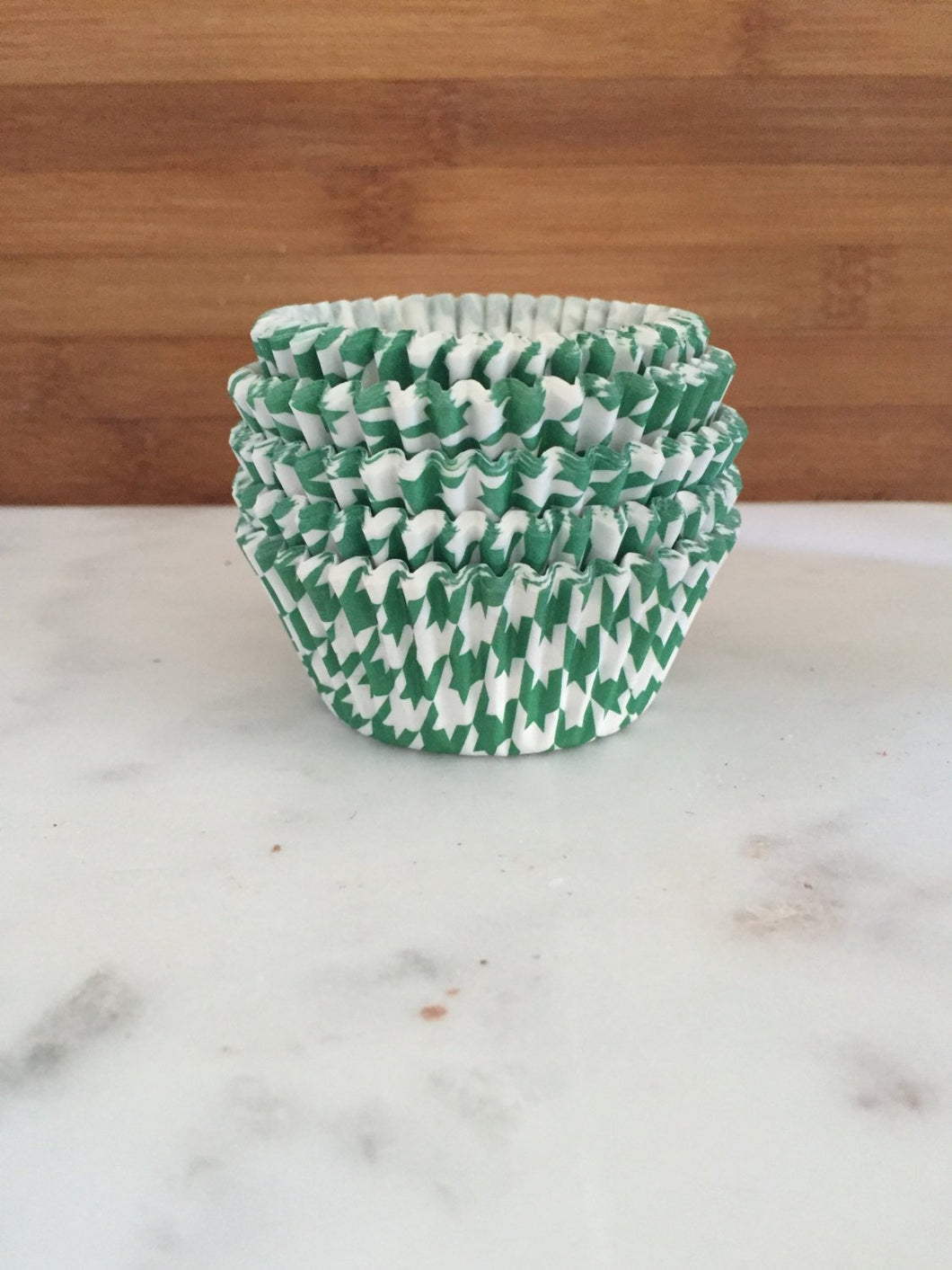 Houndstooth Green BakeBright Cupcake Liners, Standard Sized, Baking Cups (50)