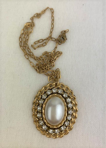 Vintage white pearl with crystals and gold on gold chain