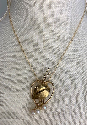Vintage 12K gold Valenza stamped heart with leaf and pearls