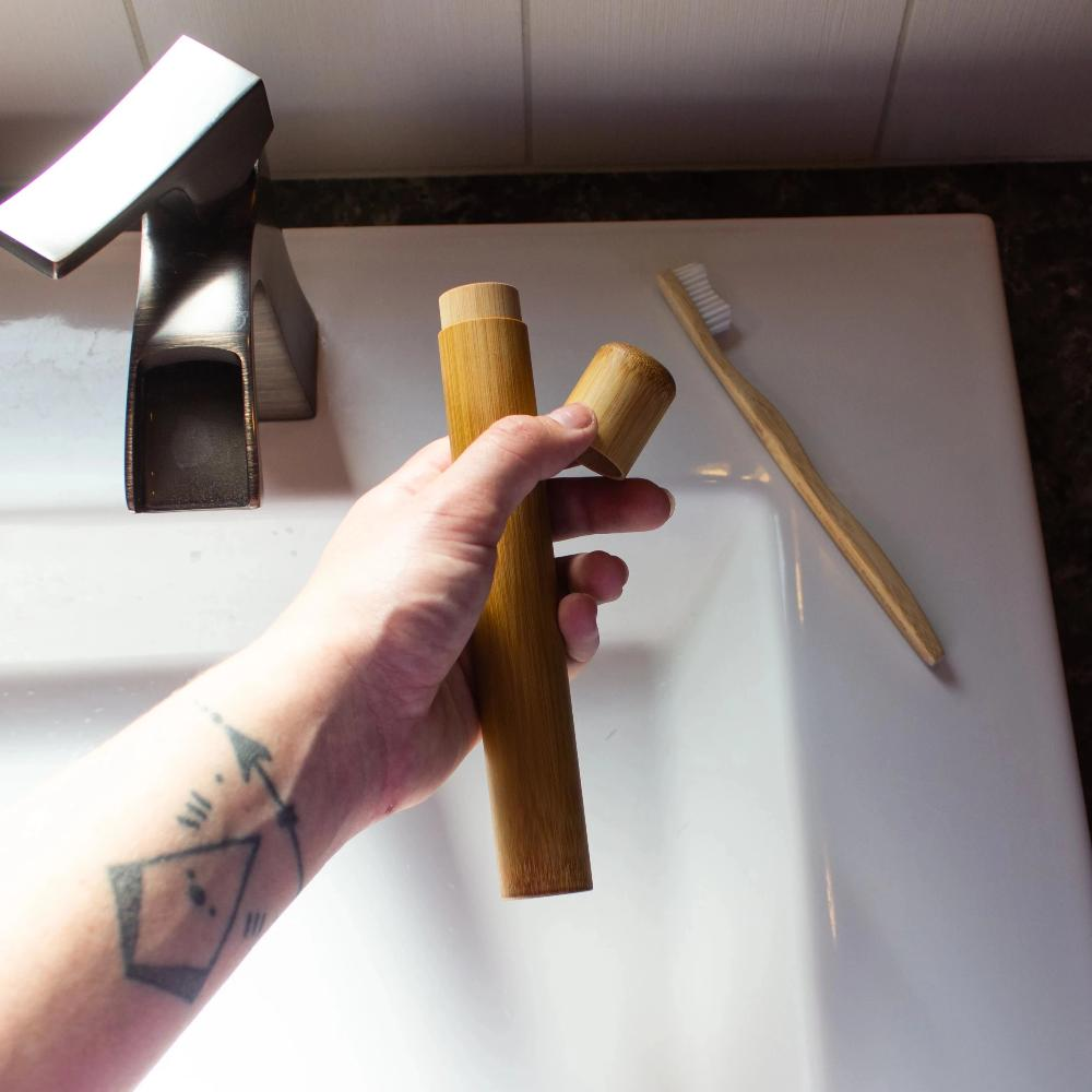 TOOTHBRUSH HOLDER: Bamboo