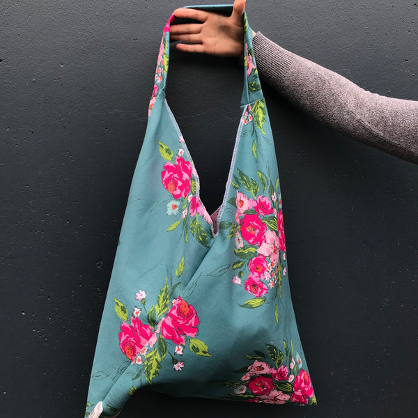 MARKET TRIANGLE TOTE: Floral Collection