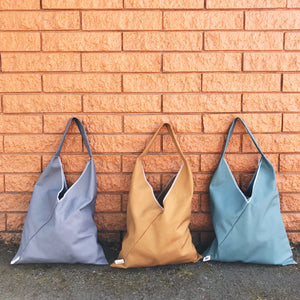 *DISCONTINUED* MARKET TRIANGLE TOTE: Solid Canvas