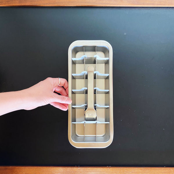 ICE CUBE TRAY: Stainless Steel