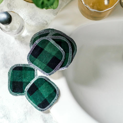 20 FACIAL ROUNDS: Green Buffalo Plaid