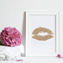 Load image into Gallery viewer, Lipstick Kiss - PRINTS279