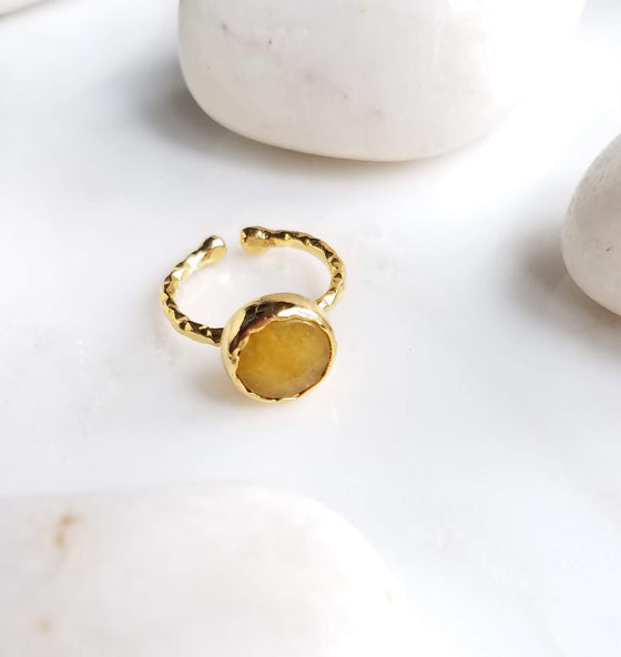 Yellow Jade one stone ring
