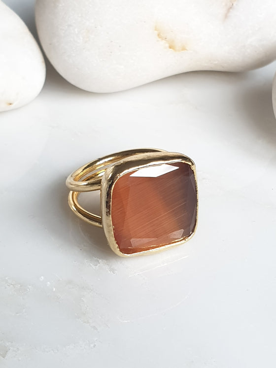 Camel square Cat's Eye ring