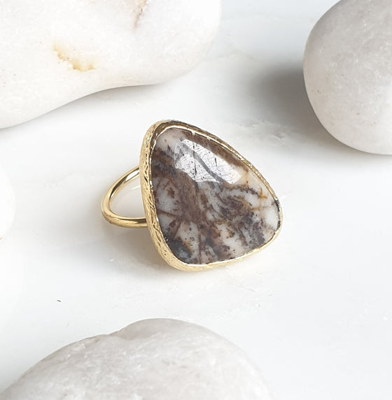 Brown and White Agate Ring