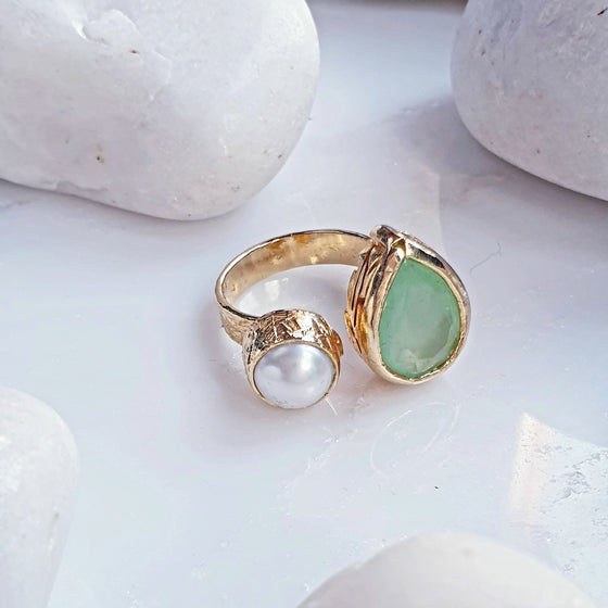 Teardrop Green Quartz and Pearl Ring
