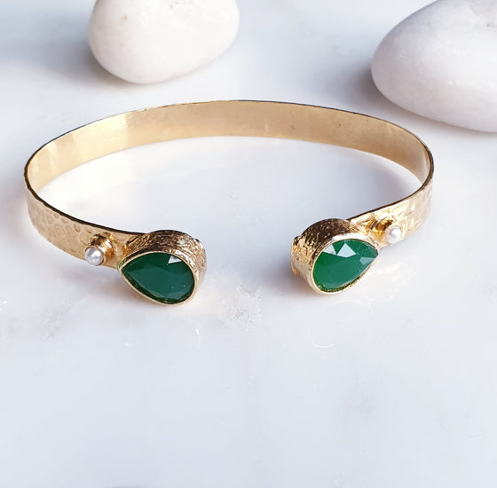 Teardrop and Pearl Emerald Bangle