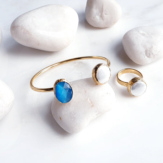 Blue Oval Cat's eye and Pearl Bangle and Ring Set